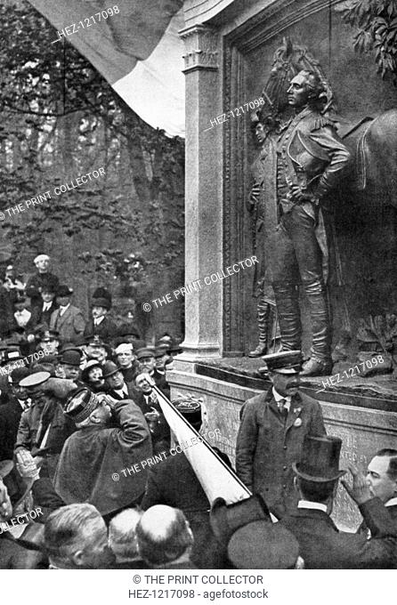 Marshal Joffre's tribute to the Marquis de Lafayette, Prospect Park, Brooklyn, New York, USA, 1917. Joffre saluting the sculpture of Lafayette