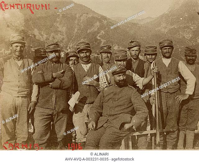 Album Free State of Verhovac-July 1916: Italian soldiers in Carnia, shot 1916
