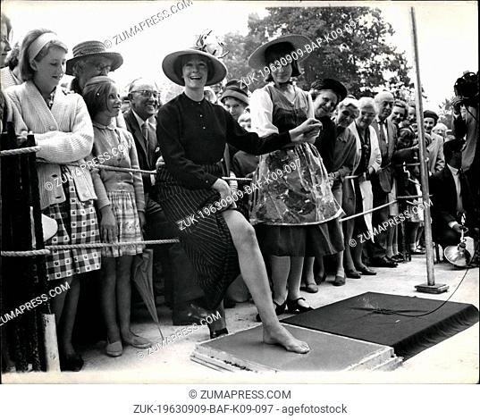 Sep. 09, 1963 - VANESSA PUTS HER FOOT IN IT. Actress Vanessa Redgrave yesterday made a footprint in a wet cement block in the floor of the new Yvonne Arnaud...