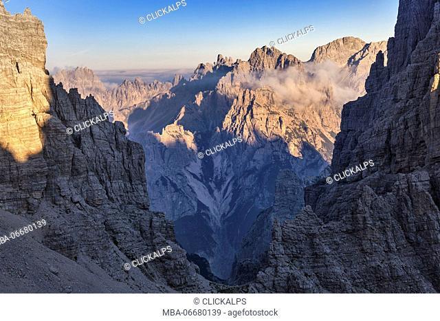 Europe, Italy, Friuli, Cimolais, Dolomites. A view beyond the fork Cimoliana, Val Montanaia