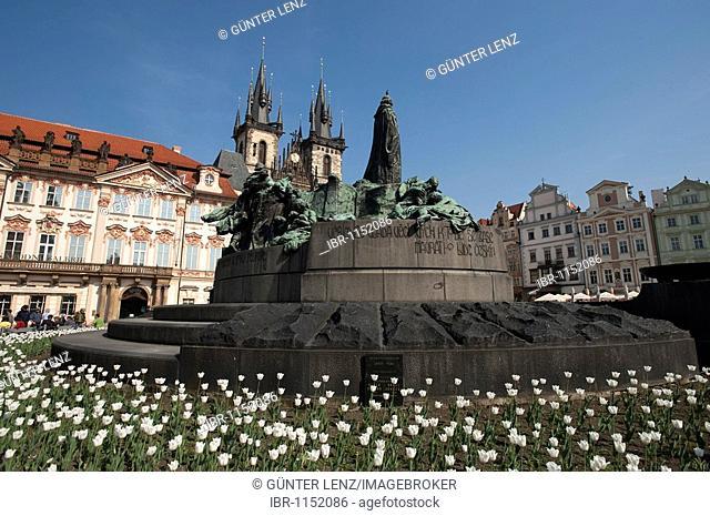 Jan Hus Memorial, Tyn Church, Prague, Czech Republic, Europe