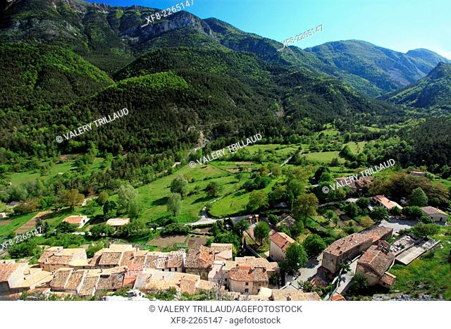 The village of Gars in the Esteron Valley, Prealpes d'Azur regional park, Alpes-Maritimes, Provence-Alpes-Côte d'Azur, France