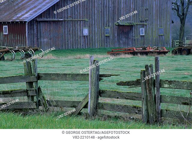 Willamette Valley barn & fenceline, Linn County, Oregon
