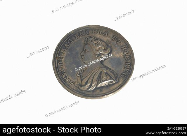 Conmemorative medal depicting Queen Anne of England. Capture of Calpe, victory over French troops and occupation of Gibraltar