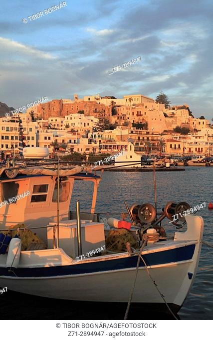 Greece, Cyclades, Naxos, Hora, skyline, harbour, fishing boats,