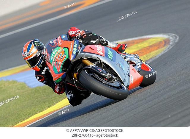 Sam Lowes of Great Britain and Aprilia Racing Team Gresini rrounds the bend during the MotoGP Testing - 2017 Seasson at Circuit of Valencia Ricardo Tormo on...