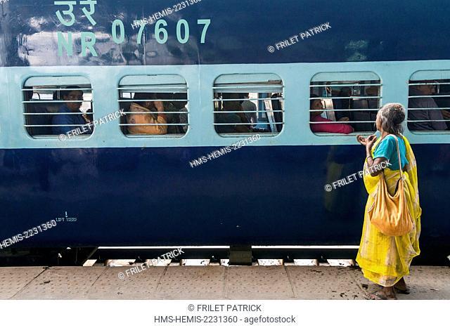 India, Uttar Pradesh state, Agra, the train station