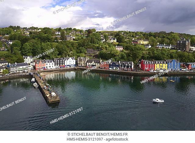United Kingdom, Scotland, Highland, Inner Hebrides, Argyll and Bute, Isle of Mull, the main town Tobermory and its harbour (aerial view)