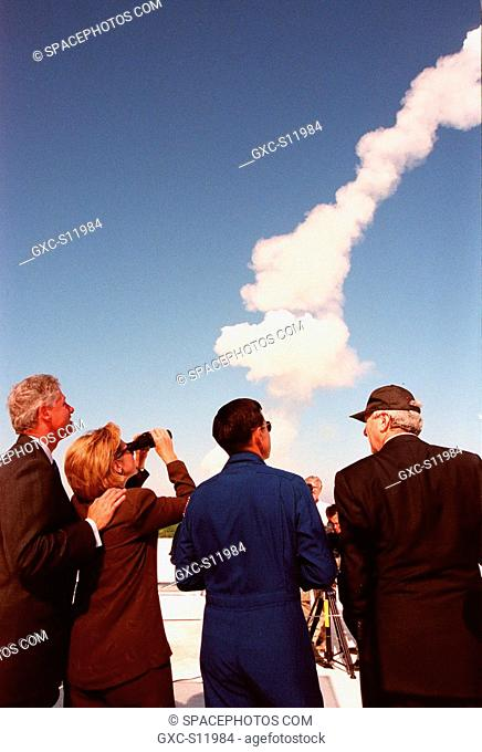 10/29/1998 --- Watching a successful launch of Space Shuttle Discovery from the roof of the Launch Control Center are left to right U.S
