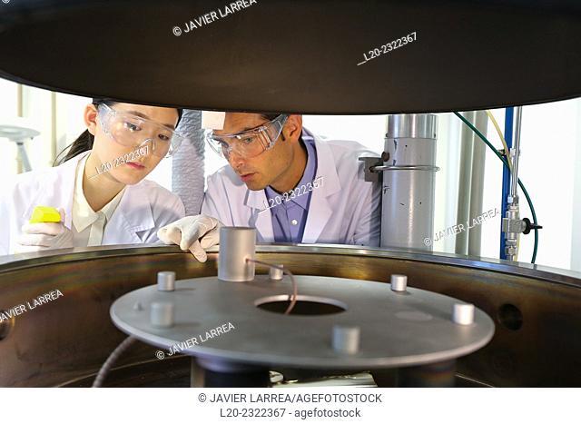Researchers. Active screen plasma nitriding system. Vacuum chamber. Laboratory surfaces. Tecnalia Research and Innovation. Donostia. San Sebastian