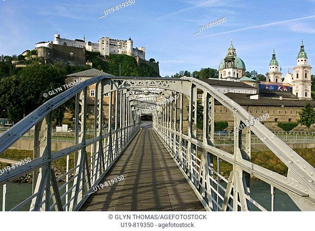 Mozartsteg bridge, Festung Hohensalzburg and the Residenz, Salzburg, Austria