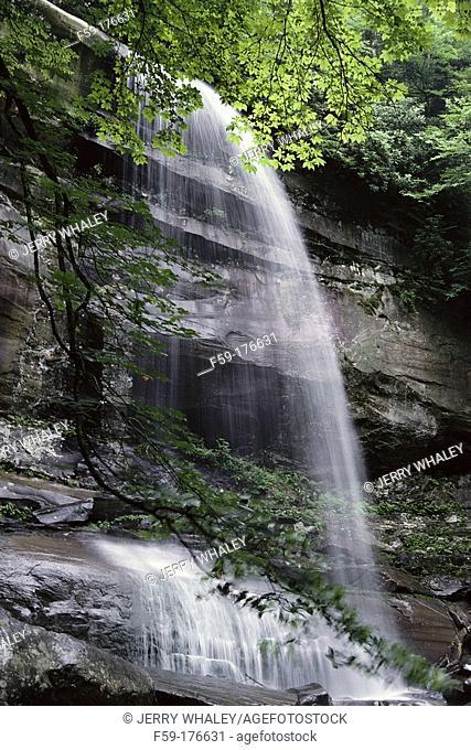 Rainbow Falls. Great Smoky Mountains NP. Tennessee. USA