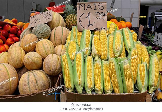 Heap of maize ears at farmers market