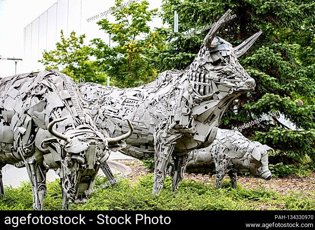 Sculptures in front of the headquarters of the Toennies group in Rheda-Wiedenbrueck on July 27, 2020.  | usage worldwide