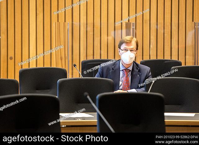 23 October 2020, North Rhine-Westphalia, Duesseldorf: Peter Biesenbach (CDU), Minister of Justice of North Rhine-Westphalia