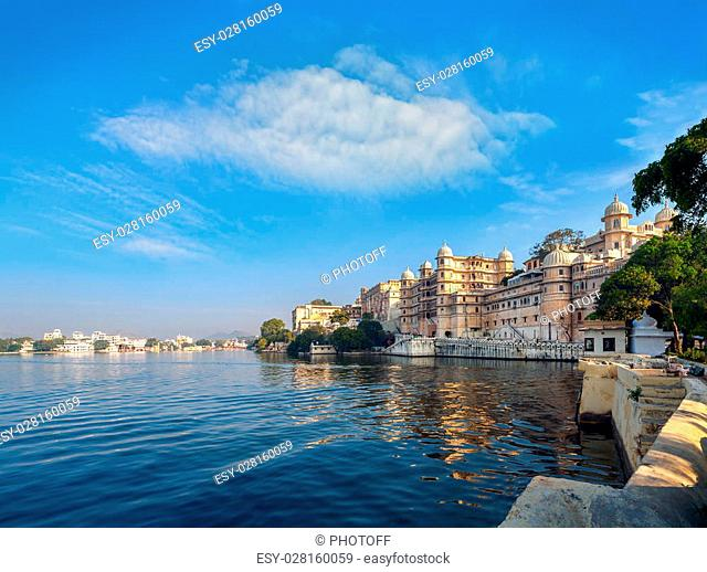 Lake Pichola and City Palace in Udaipur. Udaipur known as the City of Lakes, Apart from its history, culture, and scenic locations