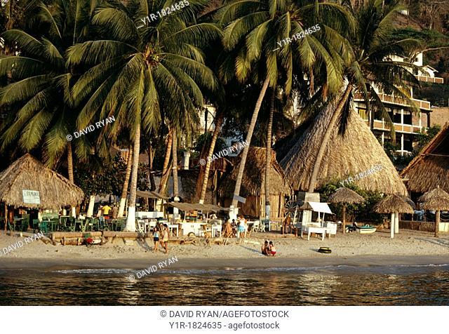 Mexico, Jalisco, Puerto Vallarta, Beach Scene