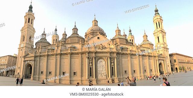 El Pilar basilica, panoramic view. Zaragoza, Spain