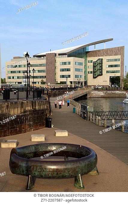 UK, Wales, Cardiff, Bay, Atradius Building, promenade, people,