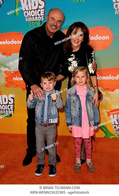 Nickelodeon Kids' Choice Awards 2016 - Arrivals Featuring: Phil McGraw, Robin McGraw Where: Los Angeles, California, United States When: 12 Mar 2016 Credit:...