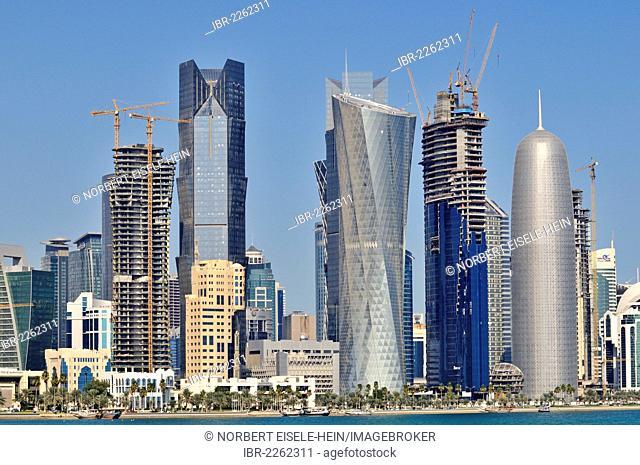 Al Corniche waterfront promenade, Doha, Qatar, Middle East