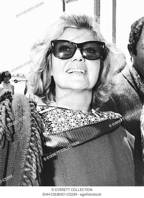 Rita Hayworth arrives at Rome's Fiumicino Airport in July 17, 1968. She would be filming THE BASTARDS, (I BASTARDI). (CSU-2015-7-292)