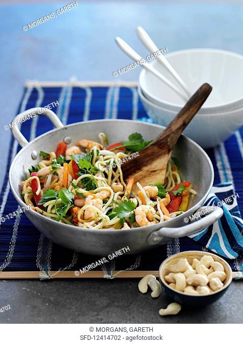 Shrimp stir fry with noodles and cashews (Asia)