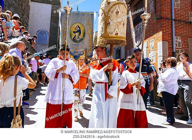 Altar Servers leading the Corpus Procession. Lagartera, Toledo, Castilla - La Mancha, Spain, Europe