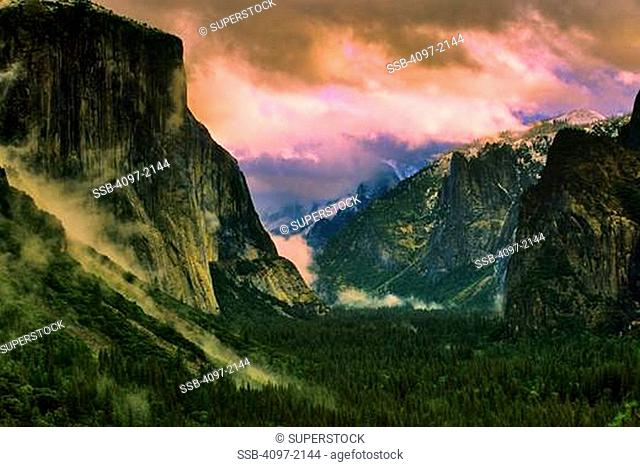 Clouds over mountains, El Capitan, Yosemite Valley, Yosemite National Park, California, USA