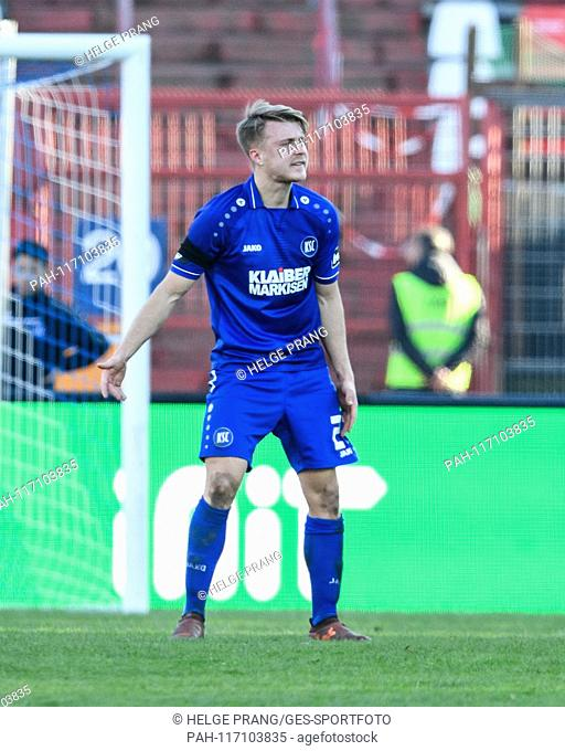 after versustor to 0: 1, anger and frustrated at the KSC. Marco Thiede (KSC). GES / Soccer / 3rd League: Karlsruher SC - 1. FC Kaiserslautern, 16.02