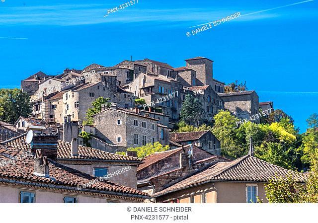 France, Tam, Cordes-sur-Ciel hilltop village (Saint James way)