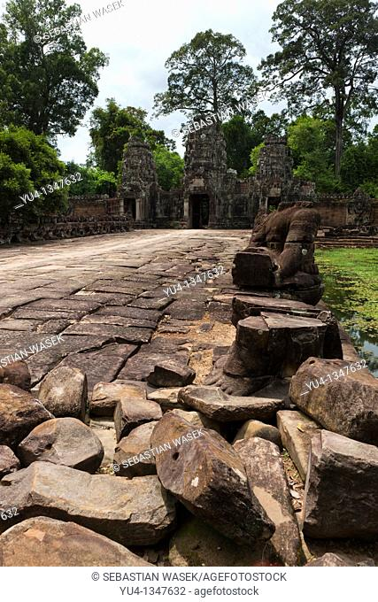 Preah Khan(Prah Khan), Sacred Sword, is a temple at Angkor, Cambodia, built in the 12th century for King Jayavarman VII, It is located northeast of Angkor Thom