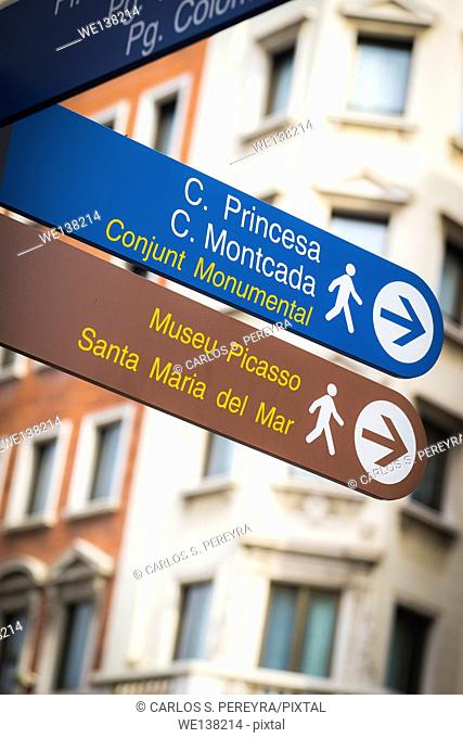 Touristic routes in the centes of Barcelona, Catalonia, Spain