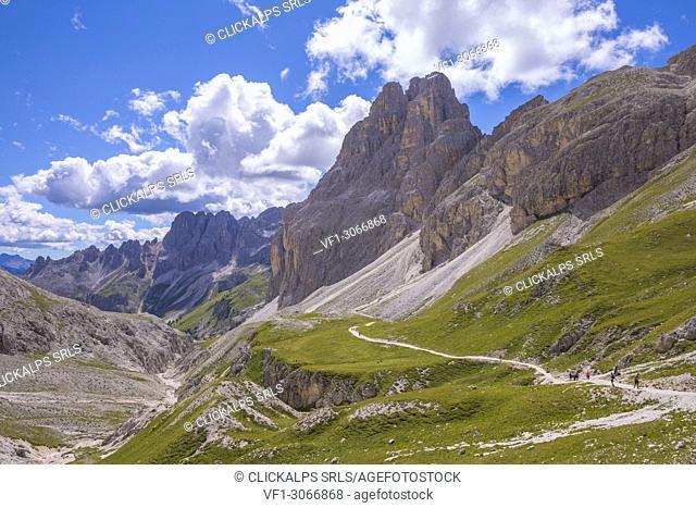 Vajolet valley and the Catinaccio group, Dolomites, Fassa valley, Val di Fassa, Pozza di Fassa, Trento Province, Trentino Alto Adige, Italy