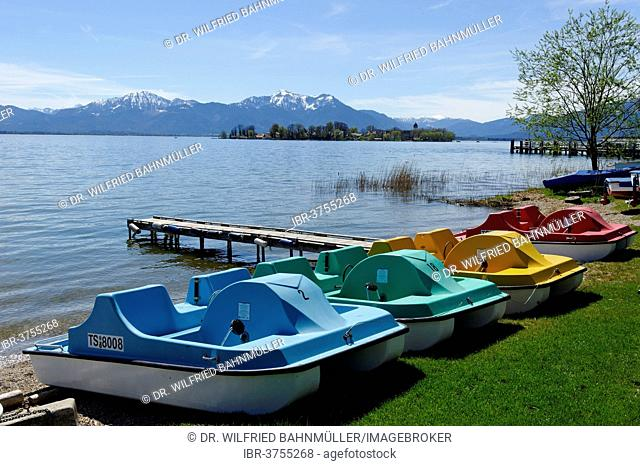 Gstadt, view from the waterfront on the Fraueninsel island, spring at Lake Chiemsee, Gstadt am Chiemsee, Chiemgau, Upper Bavaria, Bavaria, Germany