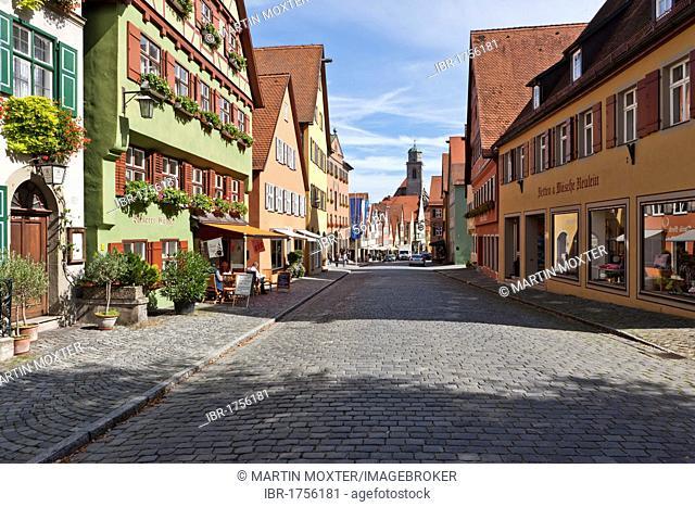 Elsasser Gasse street in the historic district, St. George's Minster at the back, Dinkelsbuehl, administrative district of Ansbach, Middle Franconia, Bavaria