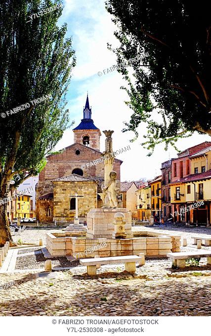 Plaza del Grano and Santa Maria del Camino church, Leon,Castile and León, Spain,