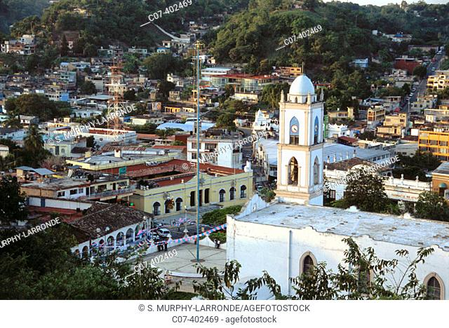 View of Papantla, with pole of the Papantla flyers. Veracruz. Mexico