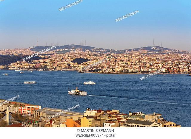 Turkey, Istanbul. Beyoglu, Bosphorus, View from Galata-Tower to Ueskuedar