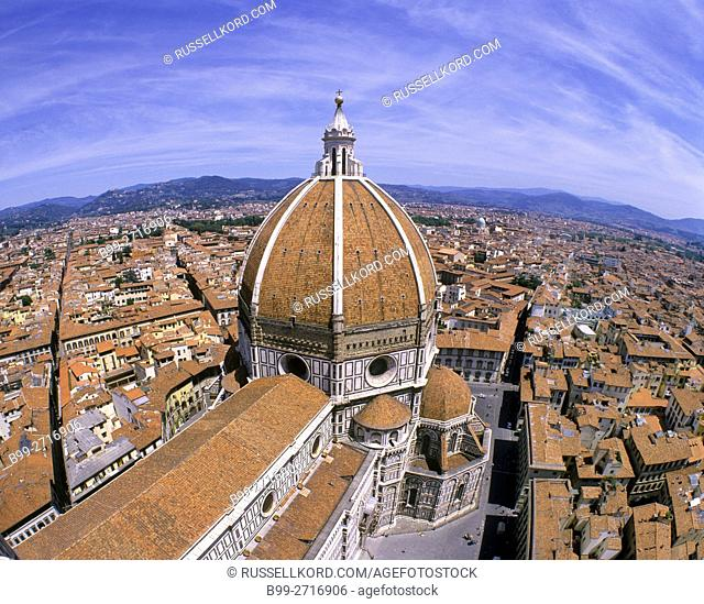 DUOMO BASILICA DI SANTA MARIA DEL FIORE FLORENCE SKYLINE TUSCANY ITALY