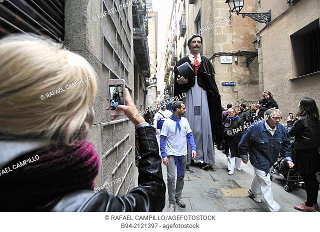 Giants. Celebration of saint Eulalia martyr, February 12. 290-303 AD. Canonized 633 AD. Copatron of Barcelona. Gothic area. Ciutat vella district