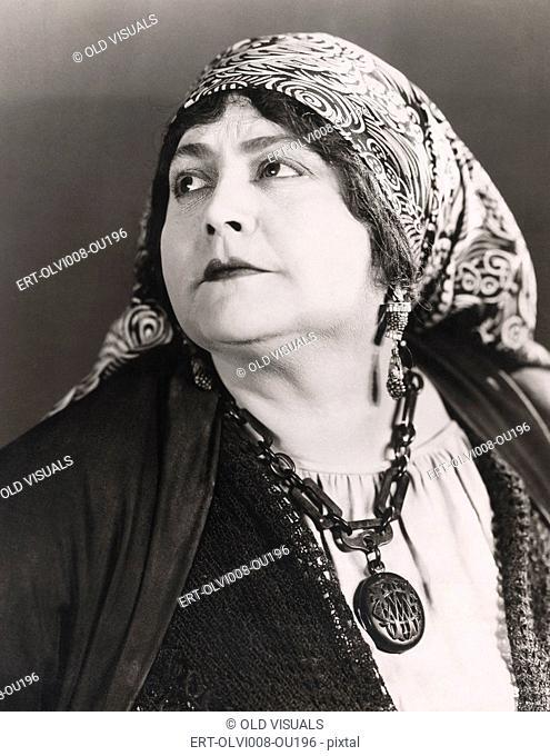 Portrait of a fortune teller (OLVI008-OU196-F)