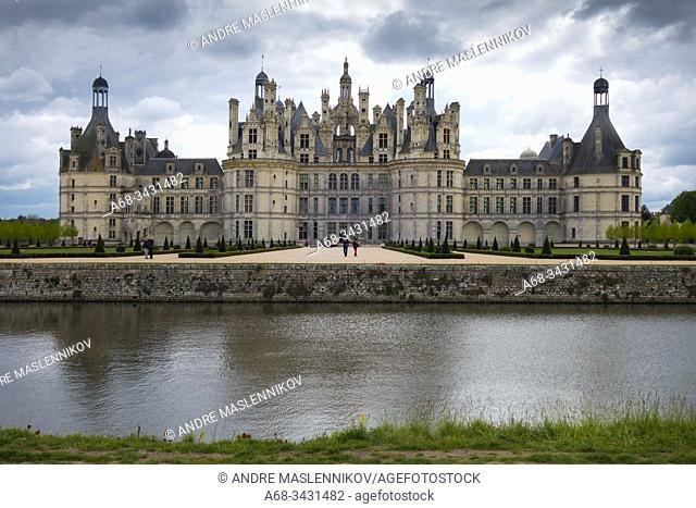 View of the castle Château de Chambord, France