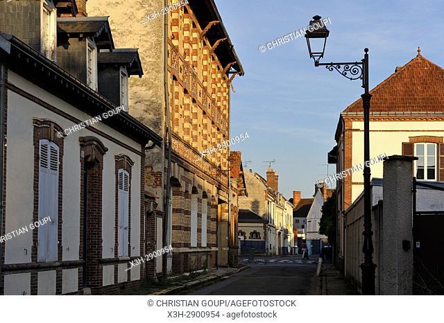 architecture villageoise typique des regions Thymerais et Drouais, Nogent-le-Roi, departement Eure-et-Loir, region Centre-Val de Loire, France