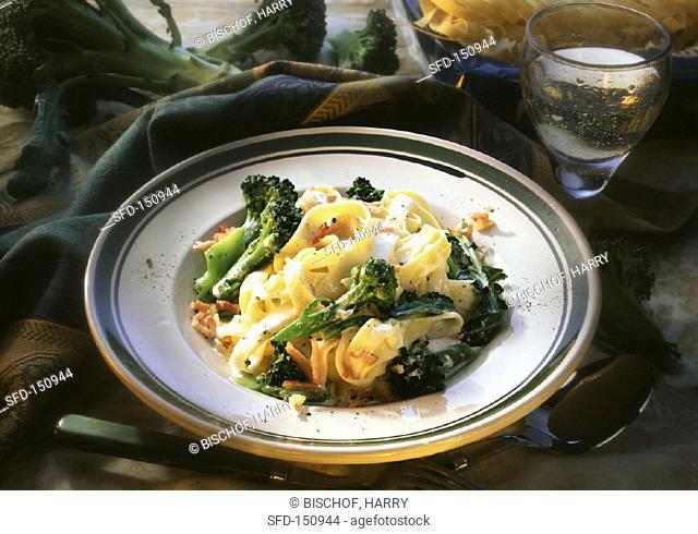 Tagliatelle with broccoli and bacon