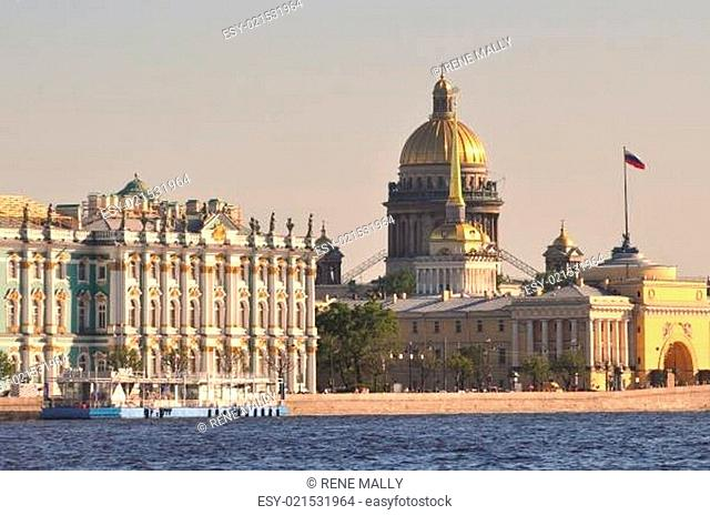 St Petersburg main landmarks admiralty, hermitage and St Isaac cathedral at Neva