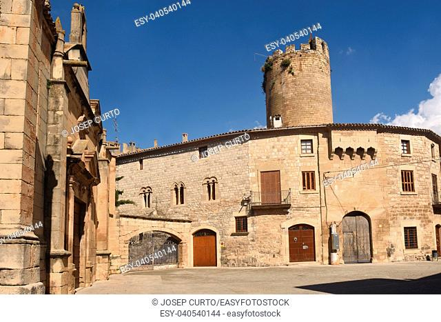Santa Maria church and Castle, Verdu, Urgell, LLeida province, Catalonia, Spain