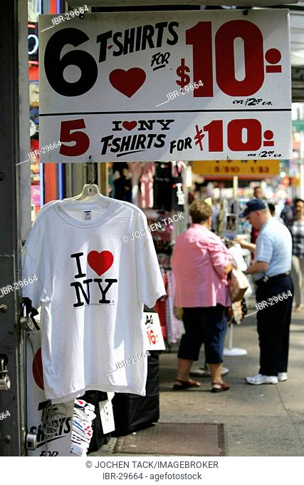 USA, United States of America, New York City: I love New York T-shirts as souveniers