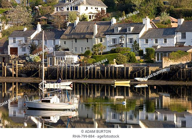 Cottages and boats beside the River Yealm at Newton Ferrers, South Hams, Devon, England, United Kingdom, Europe