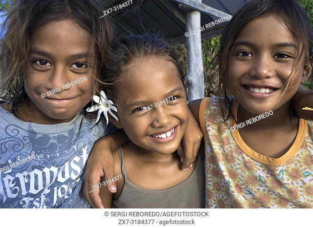 Fakarava, Tuamotus Archipelago French Polynesia, Tuamotu Islands, South Pacific. Local girls friends